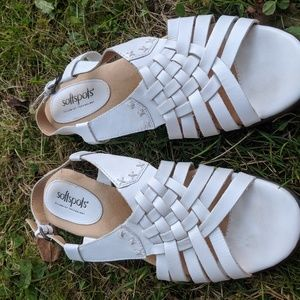 Softspots White Leather Strappy Sandals NWOT 7.5M